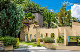 高雄 【高雄-轉角26VILLA】泰國本土設計師打造南洋風情高級Villa!不必花大錢飛到國外,即可感受置身於峇里島的歡樂!讓您釋放疲憊,徜徉於自在的渡假氛圍裡! 只要2099元起,即可享有【高雄-轉角26VILLA】雙人住宿~體驗紓壓慢活之旅〈含A.花漾雙人房/B.雙人(沐月Villa/煙波Villa) 住宿一晚 + 雙人中西式活力早餐 + 氣泡按摩造型池 + 享用雞蛋花沐浴用品 + 每房抵用券300元(轉角微醺酒吧/宵夜使用)〉